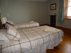 Bedroom Lady Edithn 02